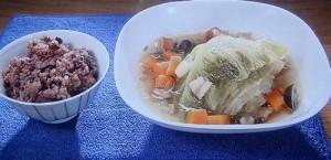 キャベツの丸ごとスープ