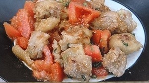 鶏肉とトマトの炒め物