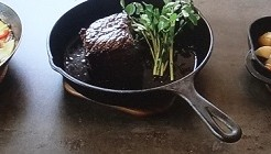 鉄なべで料理
