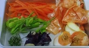 野菜の皮や芯