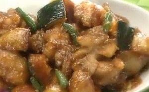 野菜たっぷり鶏の甘辛炒め
