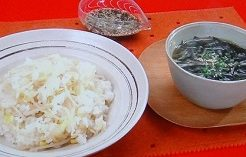 豆グッチ裕三のもやしごはん&わかめスープ