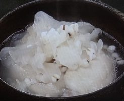 手羽先と白きくらげのスープのレシピ!