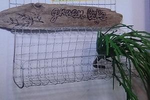 焼き網で飾り棚