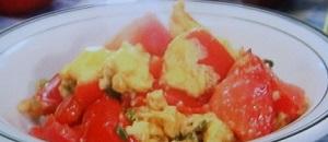 トマトのコンソメ卵とじのレシピ