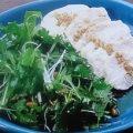 パクチーと松の実のサラダ
