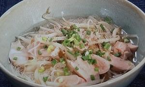 魚肉ソーセージの汁ビーフン