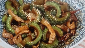 ゴーヤーと豚肉の黒酢煮