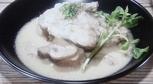 豚肉のチキンスープ煮込み