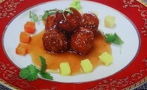 肉団子の黒酢酢豚