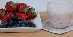 イチゴ×ブルーベリーの手もみジュース