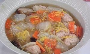 おから入り鶏だんごと白菜のスープ煮