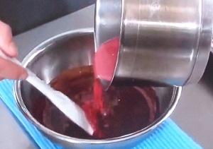 赤いハートチョコ