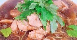 鶏醤油ブラックラーメン